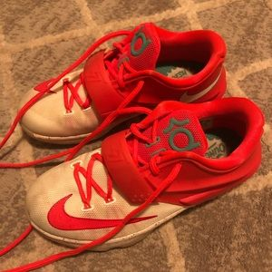 Youth Nike KD Eggnogs.
